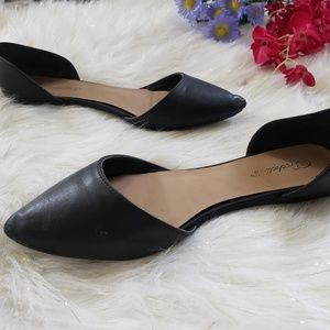 Breckelles Pointy Toe Flats